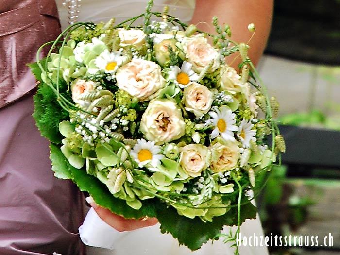 Ganseblumchen Hochzeitsstrauss